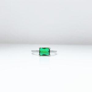 טבעת מלבן מרכזי ירוק